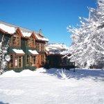 Casa verde hotal, con un maravilloso entorno y acceso a lindos lugares en la zona.
