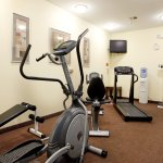 Fitness Center-Ab/Elliptical Machine, Treadmill, Bike,Free Weights
