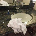 Housekeeping 1: So sieht das Bad in der frisch gemachten Suite aus
