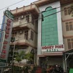 Photo de Honey Pine Hotel