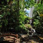 Photo de White Sands Hotel