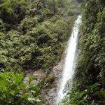 Esta es una de las cascadas que hay en todo Baños