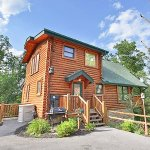 Four Seasons Getaway - a beautiful 3 bedroom cabin