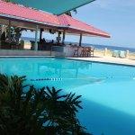 Photo de Crown Point Beach Hotel