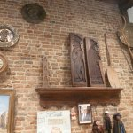 A l'intérieur de la Maison Dandoy, moules à gâteaux et autres ustensiles