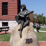 The Statue of a young Dolly Parton