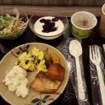 Complimentary breakfast buffet