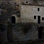 maison troglodyte restauré par des association et la ville de Bolléne.