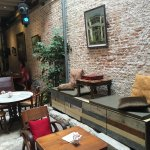 We have a lovely afternoon coffee & cake at the cozy courtyard. The Yam & Coconut cake with vani