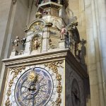 שעון אסטרולוגי יפה