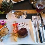 Photo de Diver's Inn Steakhouse and International Cuisine