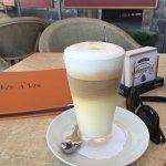 Cafe Vis-a-Vis