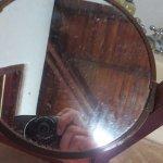 suciedad de días en el espejo del baño
