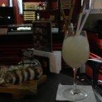 Frozen lemonade y tabla de makis. ESPECTACULAR. muy recomendado. Mi favorito el Maki acevichado