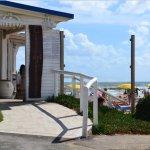 esterno e insegna e spiaggia