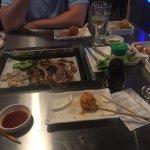 Le grill au centre de la table :)