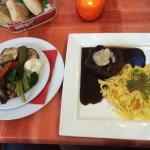 Osteria da Gino Herrenberg - Steak mit Penne und gehobeltem Parmesan