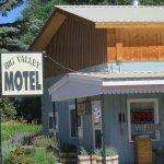 Big Valley Motel Photo
