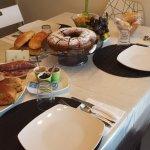 Tavola imbandita per la golosa colazione! 2.0 - le torte sono fatte da Isabella con tanto amore!