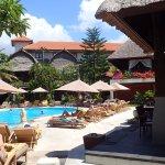 Der Pool am Hotel