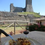 An excellent meal at the foot of Radicofani castle