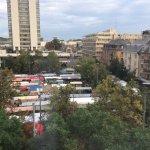 Markt in Oerlikon wird ab 4:30 am Samstag früh aufgebaut. Also Zimmer nach vorne hat vor- und Na