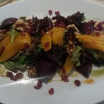 Bettroot and mango salad 6/10