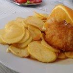 Bacalhau recheado com queijo da serra da estrela e batatas portuguesas....maravilhoso!!