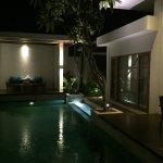 Sensationelle Villa mit Privatpool und riesigem Badezimmer mit Whirlpool und 2 Duschen (Außen- u