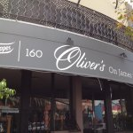 Oliver's on James Street resmi