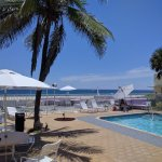 Photo de Coral Tides Resort and Beach Club