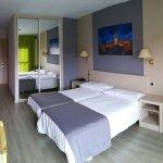 Photo de Hotel Rio Ucero