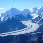 Glacier w/medial moraine