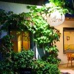 Hullrod Restaurant & Cafe