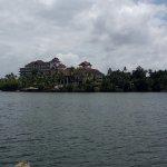 The Raviz Resort and Spa, Ashtamudi Foto