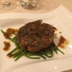 Filetto di Fassone, senape all'antica e cipolla al timo