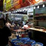 Temple Street Nigh Market, food