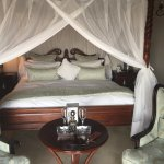 Honeymoon suite bed...gorgeous and comfy!