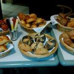 Frische Brötchen aus Eigener Bäckerei!!