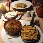 Photo de Pezouli Greek Restaurant