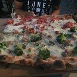 Photo de La Caverna - Passione per la Pizza