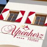 Hotel Alpenherz Fassade