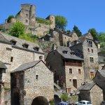 village et château