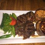 Photo de Twin Owls Steakhouse