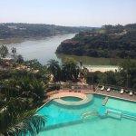 Vista desde Argentina, hacia la izq Paraguay y enfrente la costa de Brasil