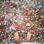I know my feet looks sucks but i loved the color of the stones <3