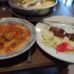 Le menu à 12,90€ : 1 brochette avec 5 morceaux d'agneau, semoule et le bouillon légumes