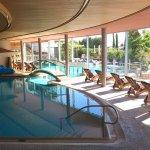 Innen- und großes Außenschwimmbad