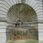 Fontaine des marches montant au Sacré Coeur