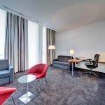 Hilton Garden Inn Stuttgart NeckarPark Foto